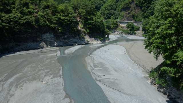 小渋湖の水位のビフォー1.JPG